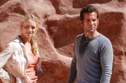 Yvonne Strahovski and Eion Bailey in The Canyon